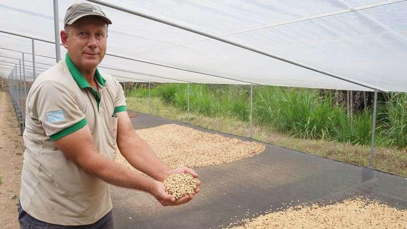 Admir Rossmann, agricultor e criador do café Romavary. Imagem: Internet/Divulgação