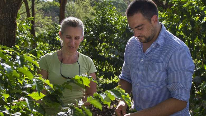 Gabriel Vidolin, chef, proprietário do Restaurante Leao Vermelho com Elizabeth M. Scheichl, proprietária da Fazenda Alegre / Foto: Rogerio Albuquerque (Foto: Rogério Albuquerque/Ed. Globo)