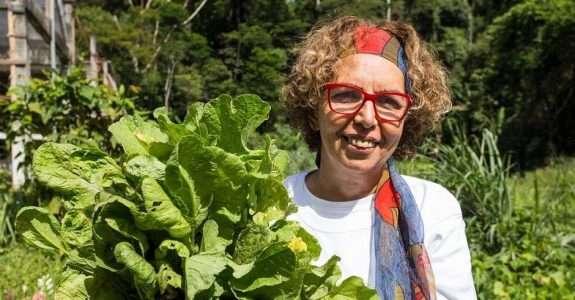 Após perder tudo, ela deu a volta por cima e hoje vende orgânicos para chefs famosos